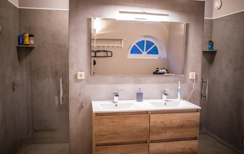 Audreys Beton Design - Badkamer met inloopdouche met waterdicht MORTEX