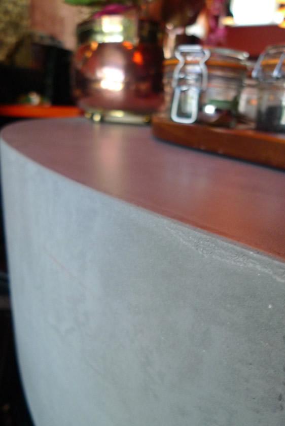Audreys Beton Design - Bar met mortex in opdracht van filmhuis Alkmaar